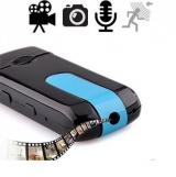 USB-Stick SPYCAM mit Ton für verdeckte Videos in HD-Qualität  mit internem Bewegungsmelder. Sieht aus wie ein USB-Stick, enthält aber Kamera und Mikrofon